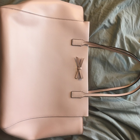 kate spade Handbags - NWOT Kate Spade Tote